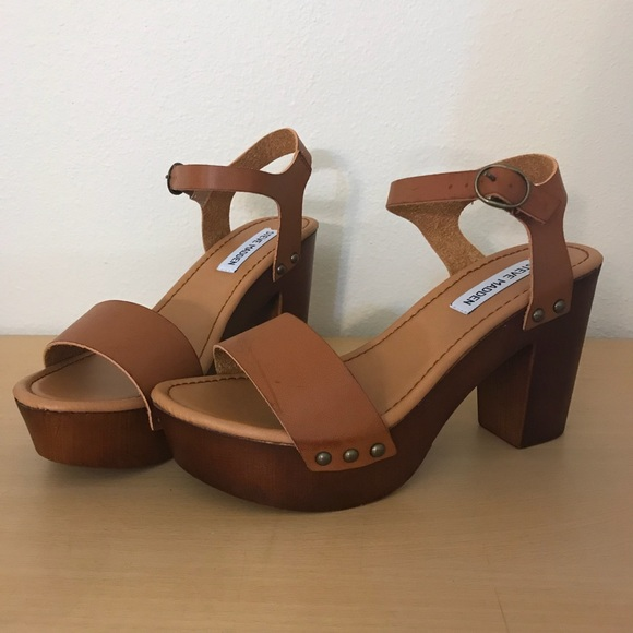 7408f103b0b Steve Madden Lifted Sandals NWT
